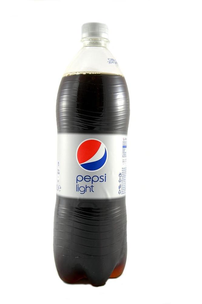 Pepsi Light, napój gazowany o smaku coli z obniżoną zawartością cukru, 1 l Image